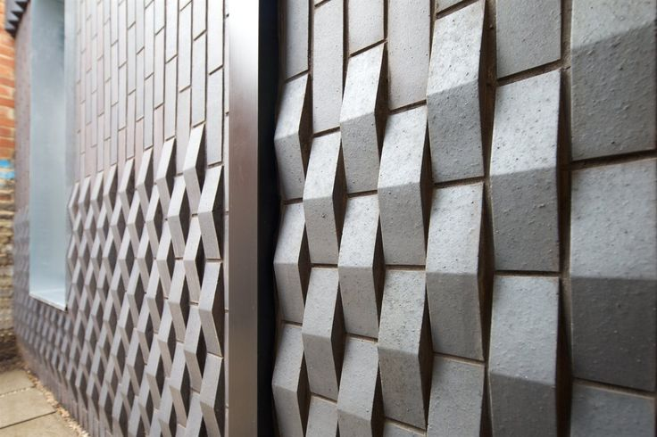 Love this brickwork (using a standard corner brick) - simple, but looks woven. Courtyard House by Dallas Pierce Quintero architects, photo (c) Tom Gildon (longlisted for the RIBA House of the Year 2015)