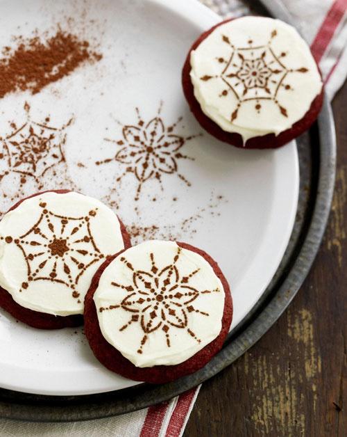 Bolachas Red Velvet (Red Velvet Snowflake Cookies)