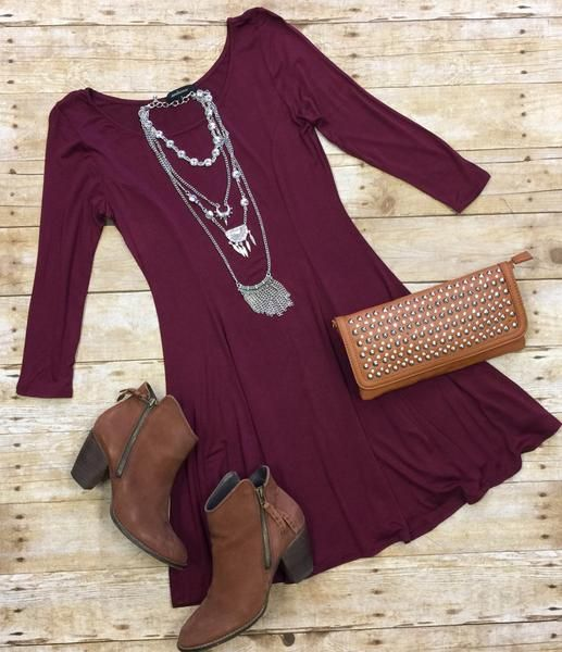 We Both Know Tunic Dress in Burgundy is just that simple perfect style! Perfect for transition to fall and can be worn with leggings or as a dress. This dress i