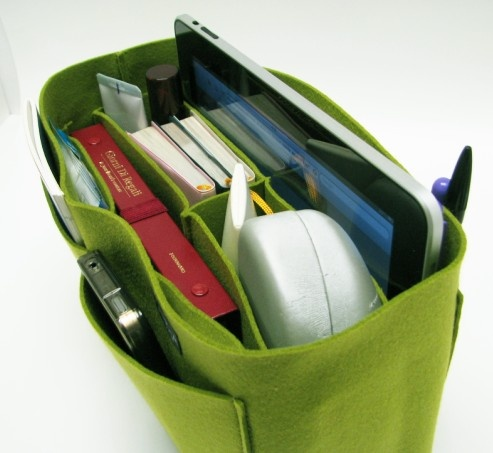 Easy organization insert for any purse or bag. Its's made of felt, so its great to hold the shape of any tote.