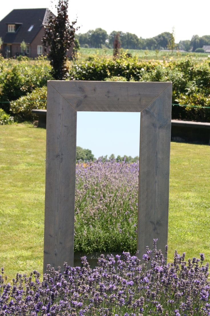 Spiegel van oud steigerhout. brede lijst.
