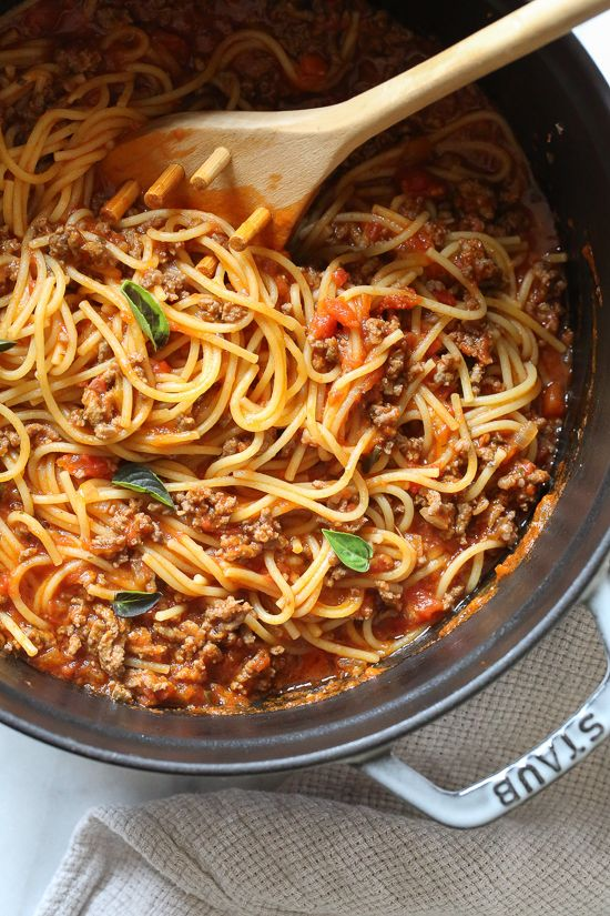 This EASY Spaghetti and Meat Sauce is cooked all in one pot! The meat sauce is m…