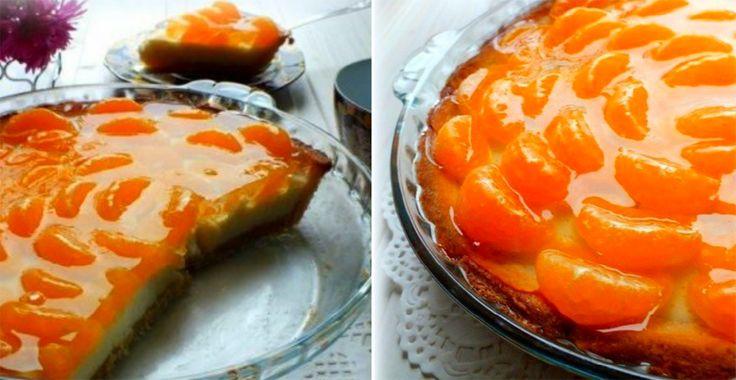 Atât mandarinele, cât și portocalele sunt citricele favorite pentru desert. Vă prezentăm o rețetă de tartă delicioasă cu mandarine. Încercați această rețetă extraordinară și răsfățați-i pe cei dragi cu un desert gustos, delicat, cremos și foarte aromat. Este un desert apetisant și aspectuos, numai bun pentru masa de sărbătoare.  Echipa Bucătarul.tv vă dorește poftă …