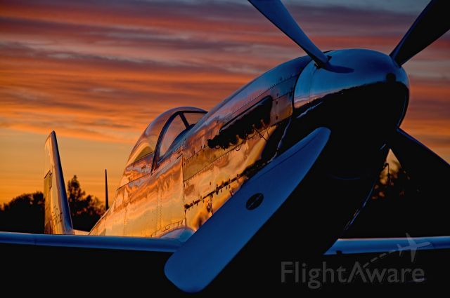 Sunset reflects on highly polished P-51 Mustang: High Polish, P51, Photos Avi, Airplanes Flying, Aviator Photos, P 51 Mustang, Sunsets Reflection, Flightawar Aviator, Airplane Flying