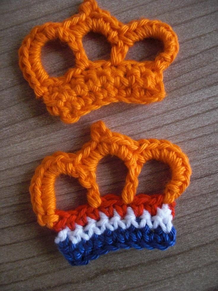 Twee verschillende k(r)onings broches.....
