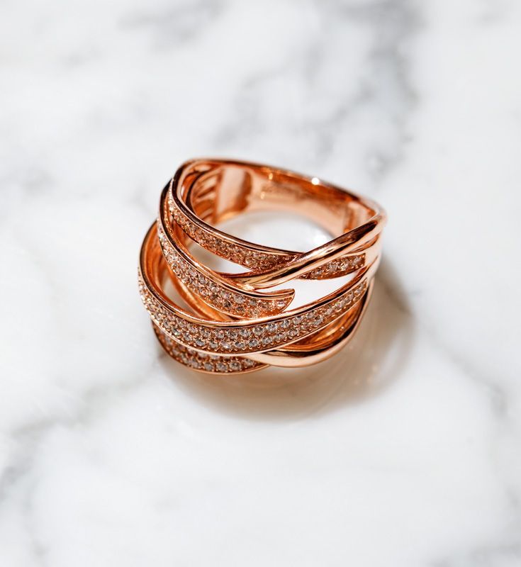Rose gold + marble are a match made in heaven.