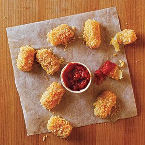 100-Calorie Snacks: Baked Mozzarella Bites - panko (Japanese breadcrumbs), 3 (1-ounce) sticks