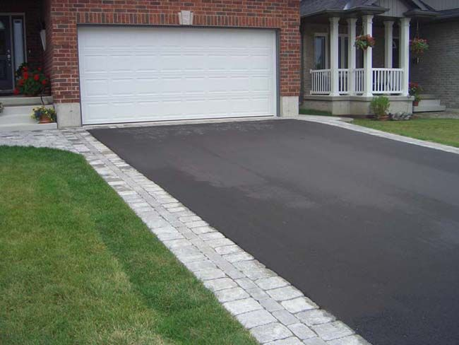 31 best driveway images on pinterest driveways blacktop driveway flagstone border along asphalt driveway google search solutioingenieria Image collections