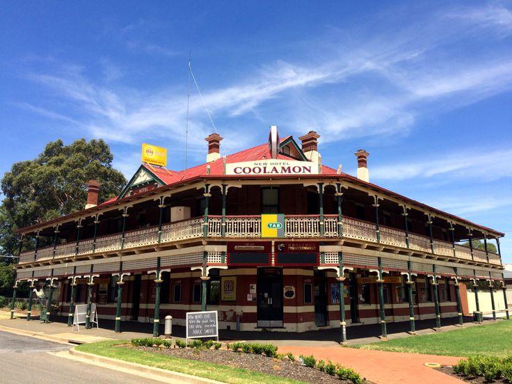 Classic Australian country pub. Coolamon Hotel, NSW, Australia