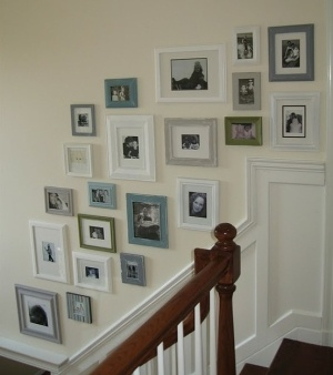 picture frame wall... Love the colors!