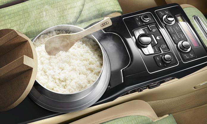 Kini kita boleh masak nasi dalam kereta Audi? Wow!   Umum mengetahui Audi adalah antara pengeluar kereta mewah di dunia yang mempunyai peminatnya bahkan jika ditanya pasti ramai juga menjadikan kereta keluaran Audi sebagai kereta impian mereka.  Kini kita boleh masak nasi dalam kereta Audi? Wow!  Baru-baru ini telah viral di media sosial gambar sebuah model terbaru Audi yang nampak mewah dan mengejutkan ia mempunyai fungsi untuk memasak nasi di dalam kereta.    Kini dengan teknologi inovatif…
