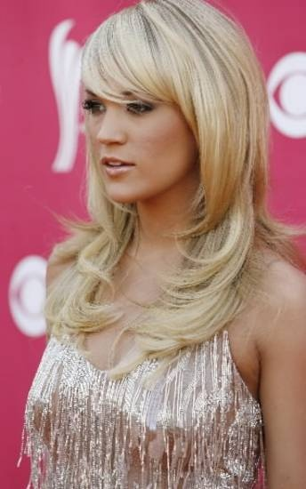layered hair I cant stand carrie underwood but her hair is so pretty!