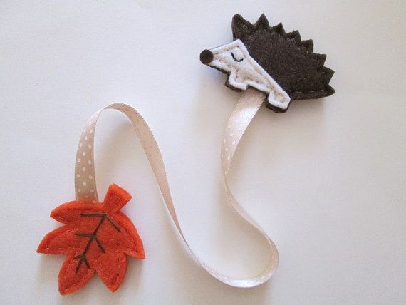 Bookmark with felt Hedgehog, ribbon and leaf - Felt bookmark - Fall gift - Gift for Readers/ children/ teachers - Children Favors