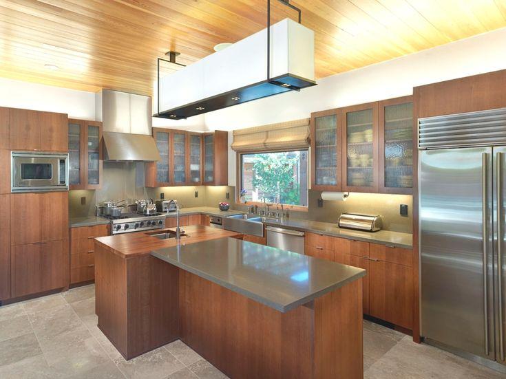 Кухня ранчо East Bay House в Калифорнии