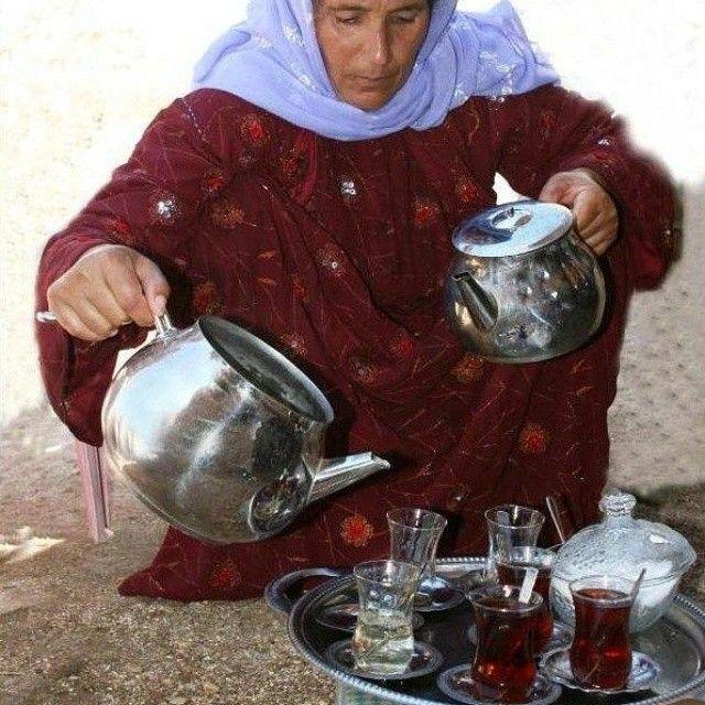Çaylar doluyor.