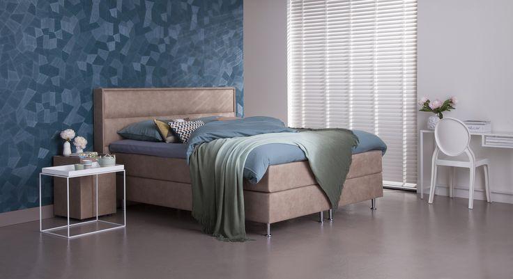 Met deze boxspring slaap je in een BED met hoofdletters! Je kunt de boxspring gemakkelijk aanpassen aan de sfeer van je slaapkamer • boxspring Necka •  #totaalbed #slaaplekker #boxspring #hotelbed #slaaplekker #slapen #bed #bedroom #interieur #slaapkamer #wonen totaalbed.nl