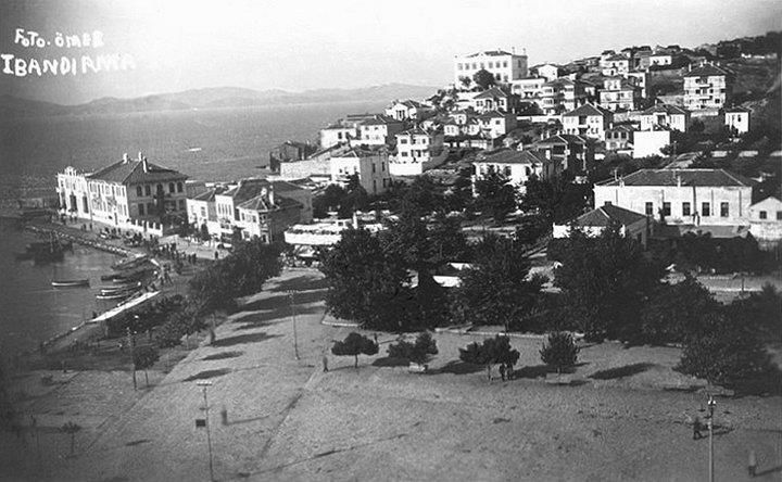 Haydar Çavuş Camii minaresinden çekilmiş bir fotoğraf. 1939 senesi... BANDIRMA