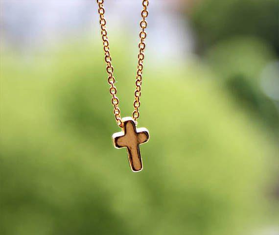 Collier pendentif minimaliste croix or 16k / Jésus Christ /