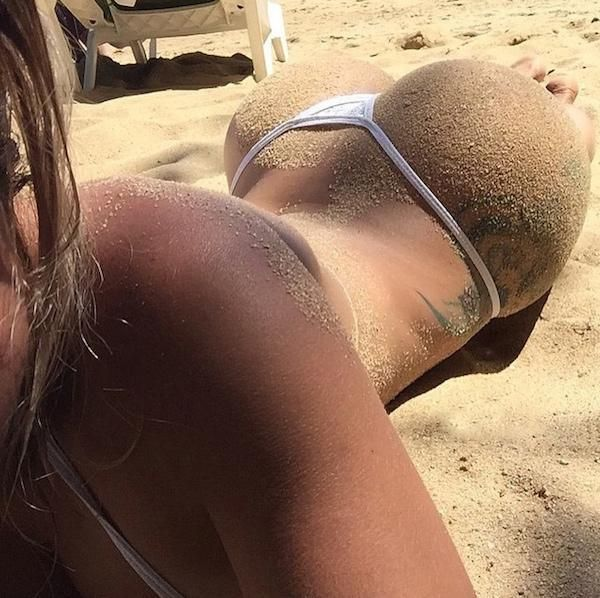 Girls are rolling in the sand and taking pictures : theCHIVE