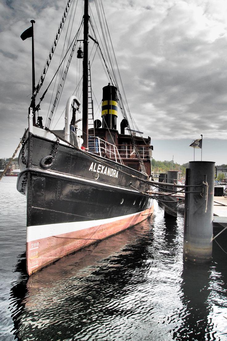 Das Dampfschiff Alexandra im Hafen von Flensburg, Schleswig-Holstein, Flensburger Förde, Ostsee, Deutschland.