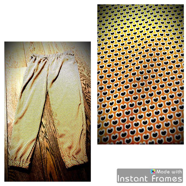 Luchtige, zomerse flodderbroek voor Maud. Elastiek in de taille en aan de enkels. Model gebaseerd op Ally jumpsuit van LMV.