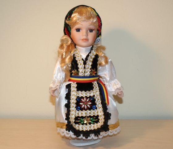 Papusa handmade, artizanat, Ardeal Romania,cadou papusa