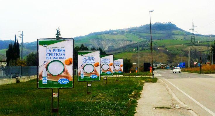Affissione e stampa di manifesti sequenziali bifacciali committente TRE VALLI. #manifesti #bifacciali #affissioni #Abruzzo San Nicoló a Tordino nel #Teramo