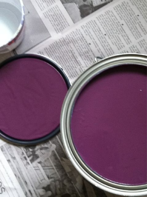 Benjamin Moore Eggplant for the back door hallway....
