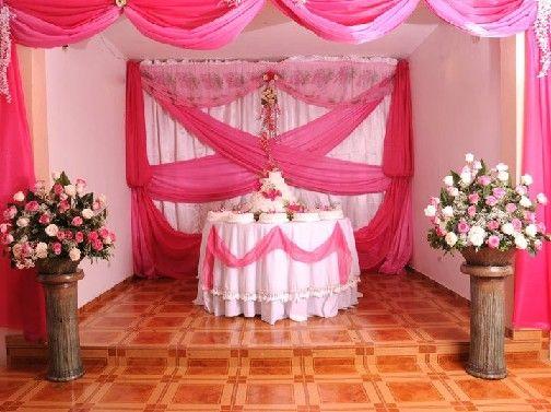 Pinatas de bautizo comentario a decoracion con telas for Decoracion con telas