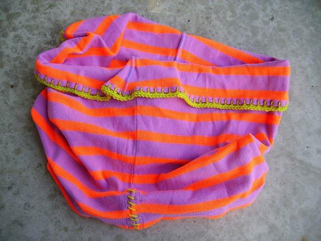 Colsjaal van shirt (zonder naaimachine)
