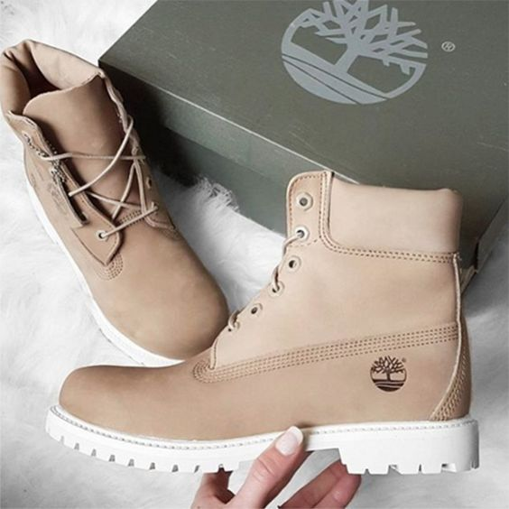 Out with the old, in with the NU(DE). The Footasylum Exclusive Womens Timberland 6 Inch Premium Boot in Bone.