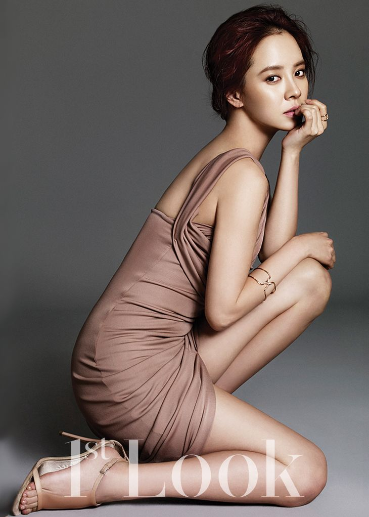 Song Ji Hyo | DSquared2 dress; Chaumet accessories | nude makeup http://www.kworldstyle.com/2014/01/like-perfection-song-ji-hyo-for-1st-look.html
