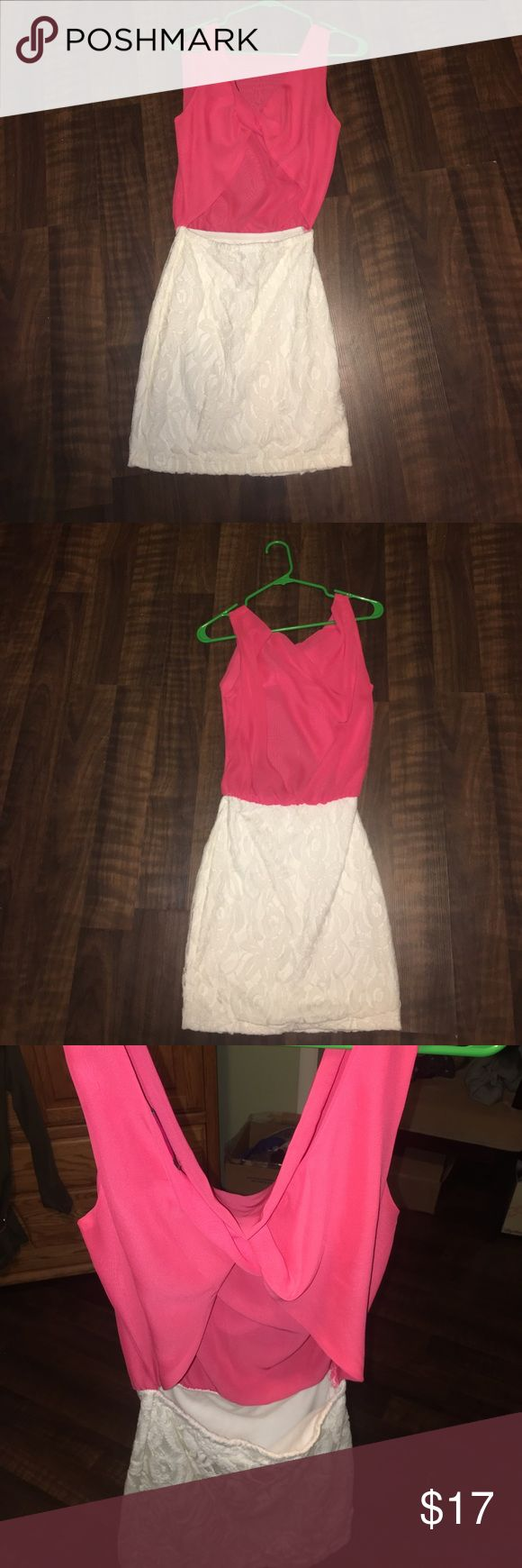 Coral and White Lace, Backless Bodycon Dress This dress is in excellent shape and has only been worn once. It is made of 100% Polyester. Don't miss out on this amazing dress, it's always been one of my favorites. Body Central Dresses Mini