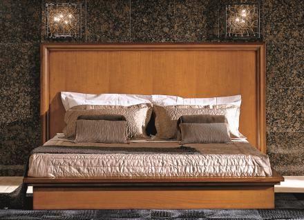 Bakokko classic wood bed with headboard