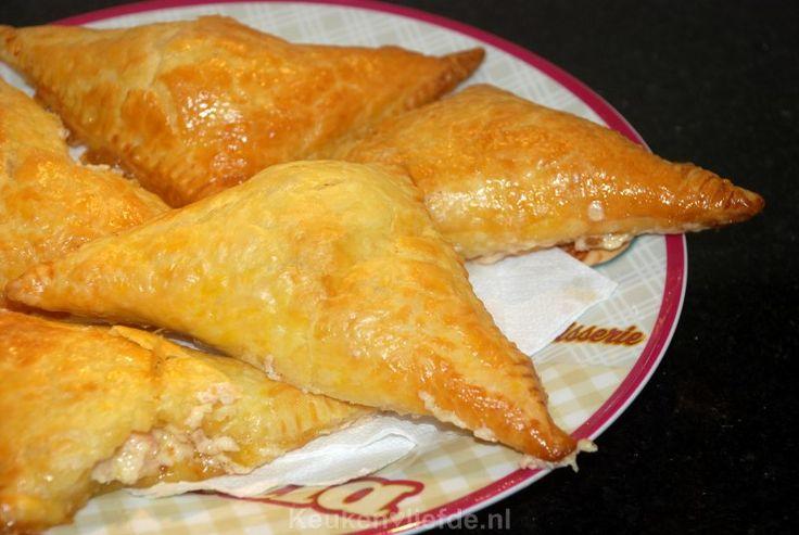 Hartige ham-kaasbroodjes voor de snelle en lekkere trek. Ze zijn in een handomdraai gemaakt.