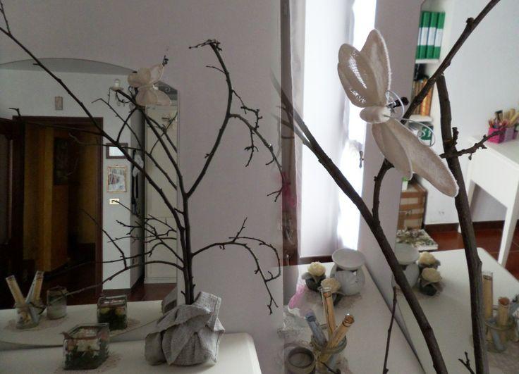 albero decorativo fatto con rami secchi (che è stato anche albero di Natale)