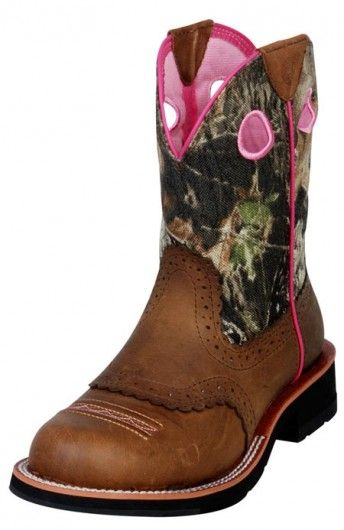 Fat Baby boots + camo + pink = LOVE