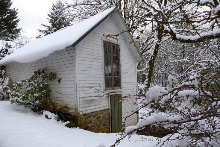 The Spring House at Crooked Finger Farms. #farmhouse #glamping #vacationrental #oregon