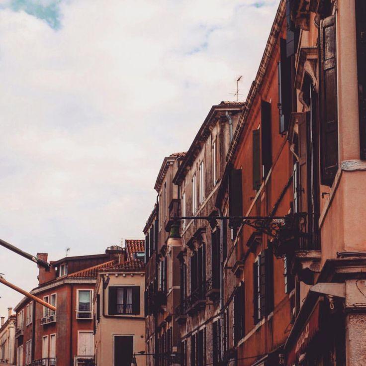 """Mi piace"": 62, commenti: 2 - Ioana Fmlyhm (@ioanafmlyhm) su Instagram: ""📌 Venice, 2016 #memories . . . . . . . . #latergram #venice #venezia #ig_italia #italia365…"""