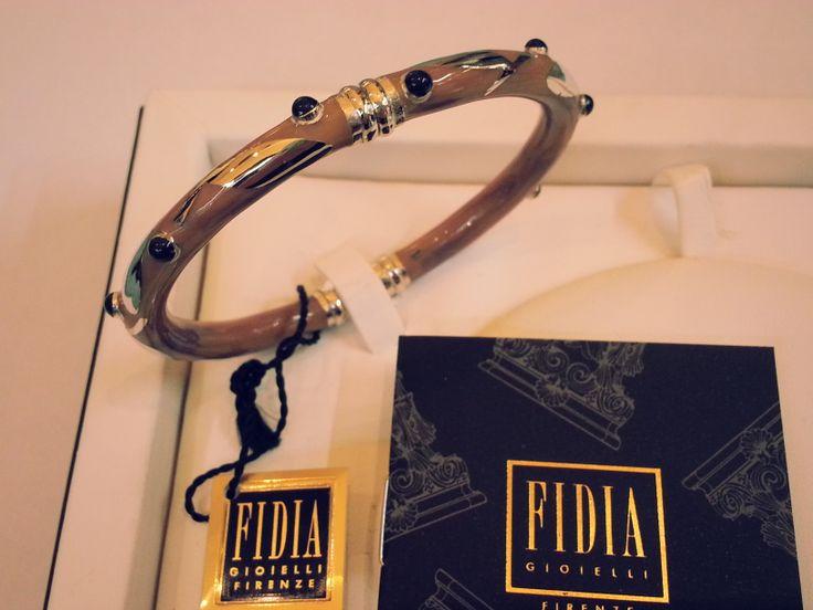 Bracciale Fidia Gioielli in oro bianco 18 kt. con smalto rosa.