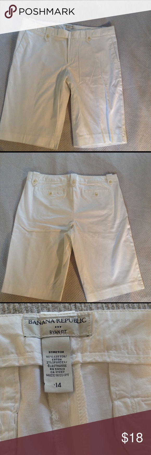 Banana Republic White Shorts Size 14 Banana Republic White Bermuda Shorts Size 14. These shorts are perfect for summer.  The belt loops feature a button and are super cute.  Like new only worn once or twice. Banana Republic Shorts Bermudas