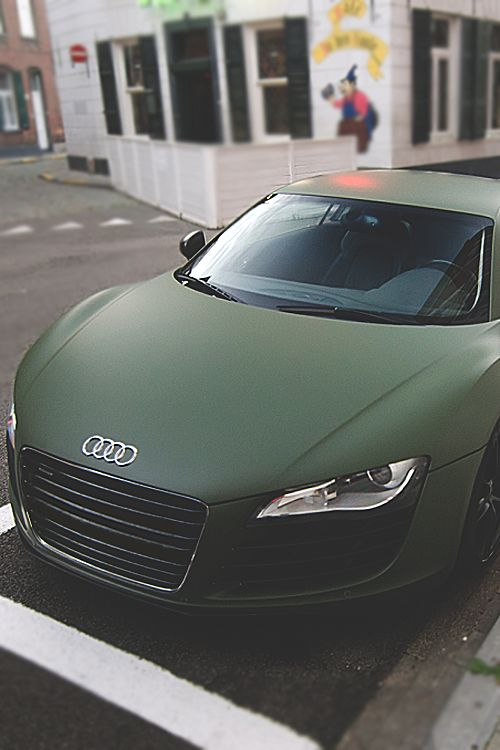 took my breath away. It's just perfect. Matte Green Audi R8
