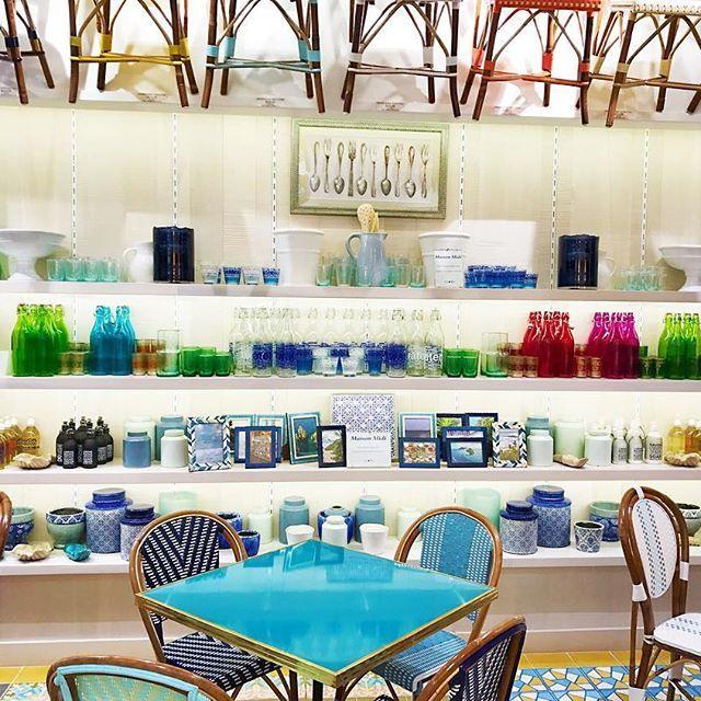 Maison Midi's product looking beautiful in Beau Soleil Kitchen + Bar. Come visit us at Pacific City, Huntington Beach.  @beausoleilkitchenbar #maisonmidi #maisonmidistyle #frenchcafe #bistrochair #bistrochairs #huntingtonbeach #pacificcity  #Regram via @maisonmidi
