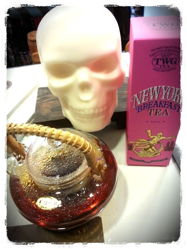 tea time w/ skull soy candle
