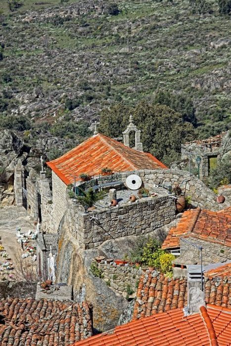 Monsanto - Portugal Village Built Among Rocks