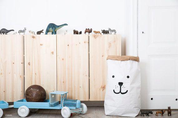 Dragen van papieren zak opslag van speelgoed boeken of teddyberen - Kids interieur