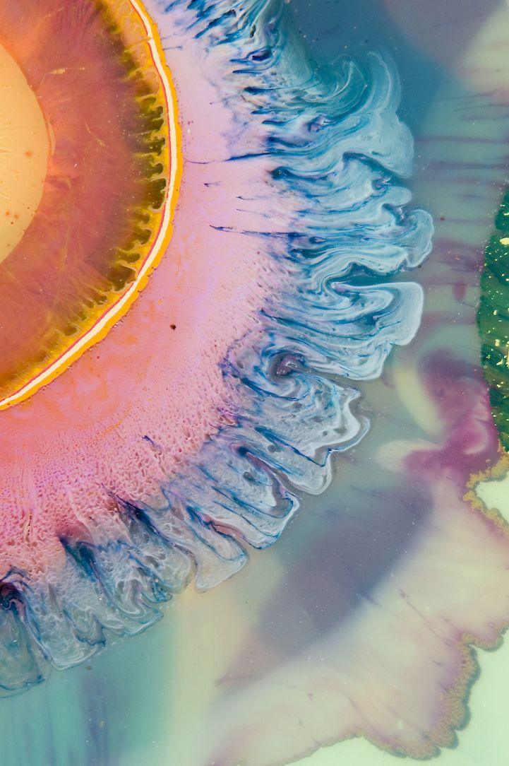 Layered Resin and Paint Blend in Strikingly Psychedelic Paintings - My Modern Met