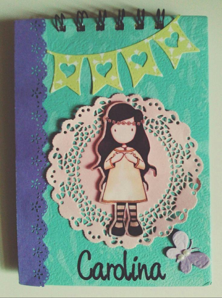 Libreta con troquel de blonda Joy Crafts 6002/0478 y abecedario Marianne Design.