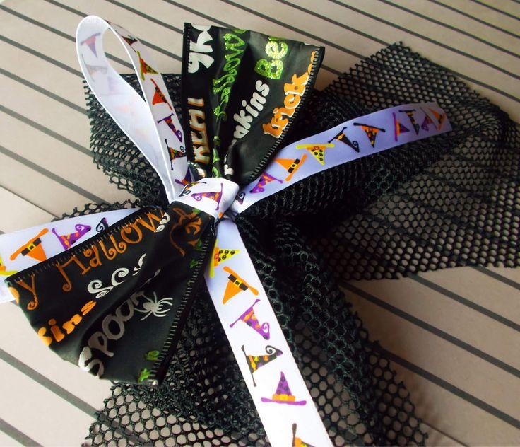 Halloween Hair Bow - Gothic Bow - Halloween Hair Clip - Hair Bow - Halloween - Hair Clip - Gothic - Goth Hair Accessory - Hair Accessory by RainsWonderland on Etsy