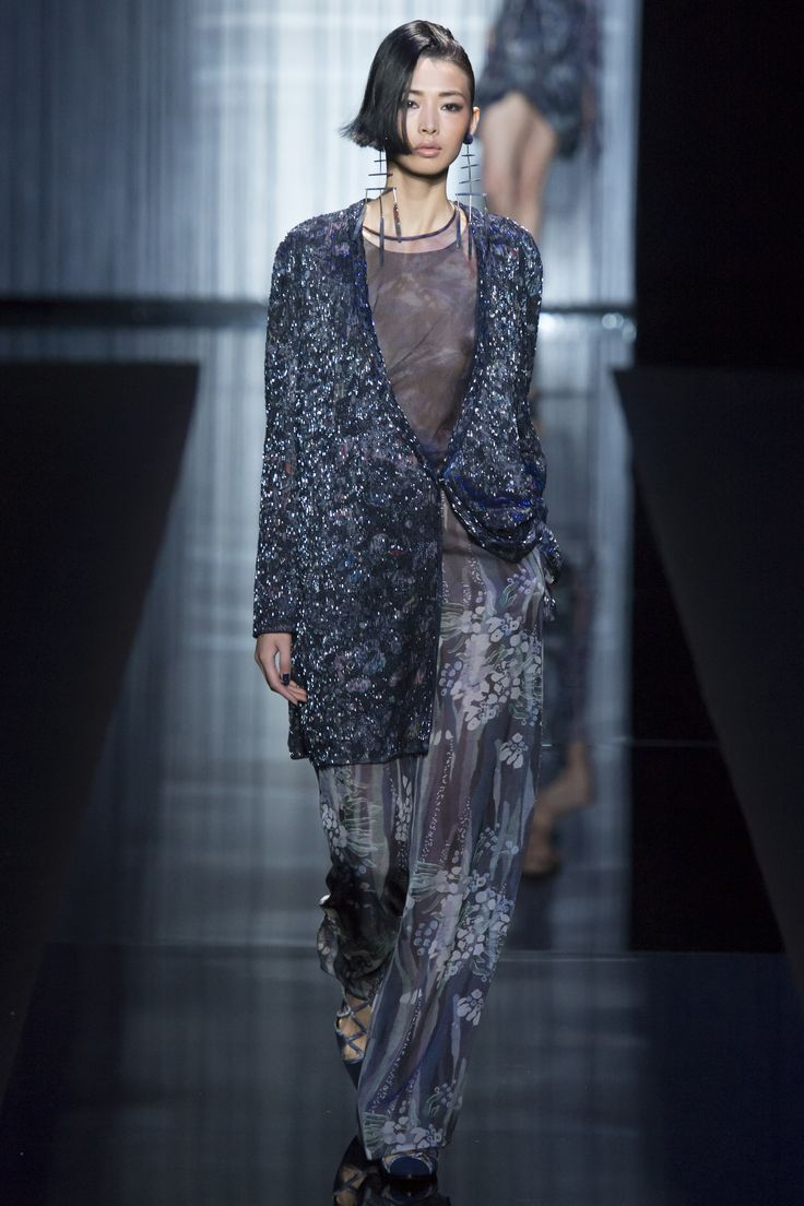 Giorgio Armani Spring 2017 Ready-to-Wear Collection Photos - Vogue
